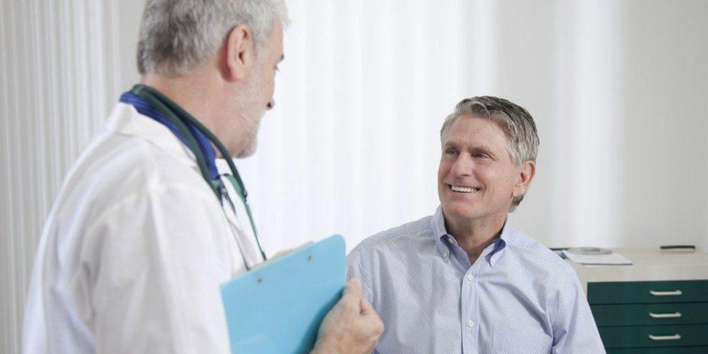 Seja mais educado e compreensivo para melhorar a experiência do paciente.
